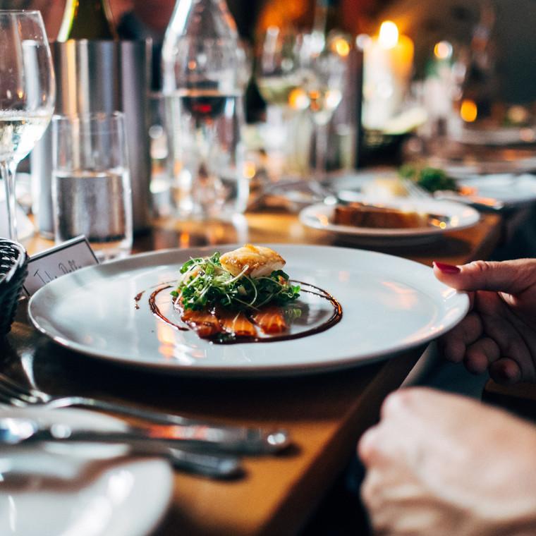 Δυσανεξία σε τροφές: πρέπει να το αποκαλύψω σ' ένα εταιρικό dinner;