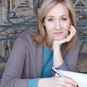 Joanne Rowling: Από την απόλυτη φτώχεια στην περιουσία του ενός δισεκατομμυρίου