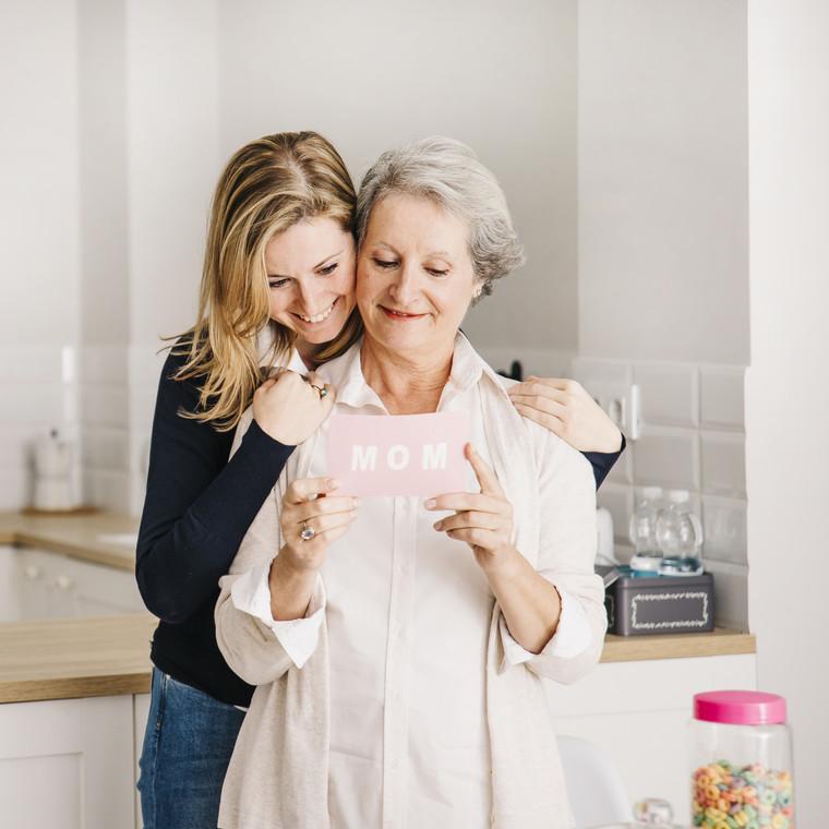 Η ιστορία πίσω από τη Γιορτή της Μητέρας