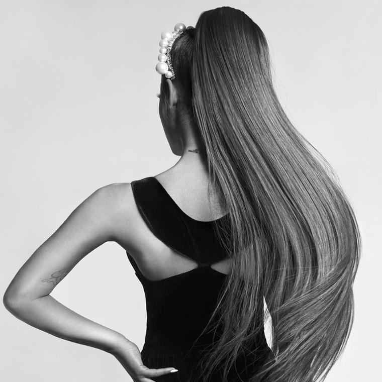 H Ariana Grande είναι το νέο πρόσωπο του Givenchy