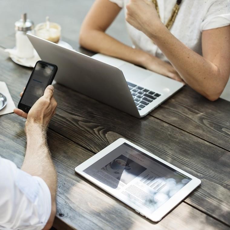 Γιατί οι άντρες διευθυντές νιώθουν άβολα στην συνεργασία τους με γυναίκες