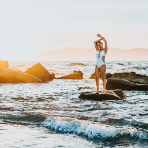 10 ολόσωμα για εσένα που θες να είσαι κομψή και στην παραλία