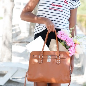 Δες πώς μπορείς να οργανώσεις την τσάντα σου στο λεπτό