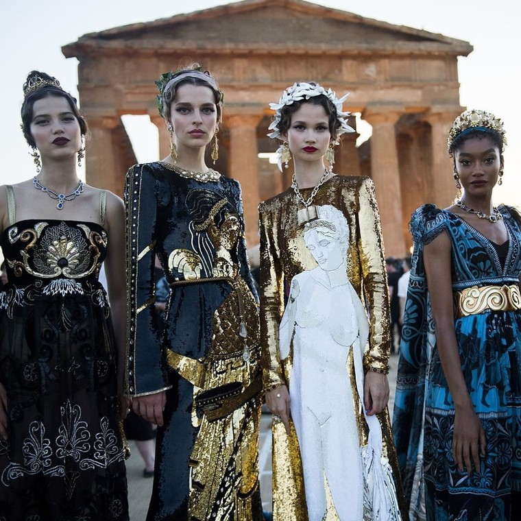 Ωδή στην Αρχαία Ελλάδα η νέα συλλογή Alta Moda 2019 των Dolce & Gabbana