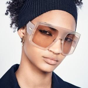 H νέα σειρά γυαλιών ηλίου Solight1 του Dior