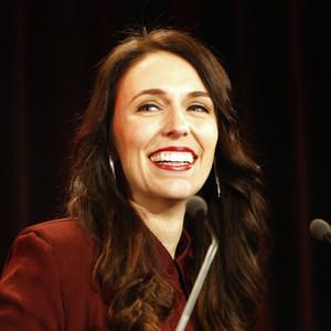 Τζέσικα Άρντερν: Η «μητέρα της Νέας Ζηλανδίας» είναι νέα, ωραία και αυτοδημιούργητη