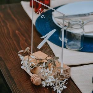 Φτιάξε μόνη σου τα wedding signs από plexiglass που βλέπεις στο διαδίκτυο και θέλεις ν΄αντιγράψεις