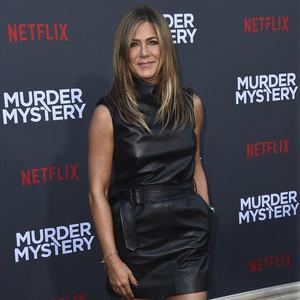 Η νέα σειρά που πρωταγωνιστεί η Jennifer Aniston είναι σίγουρο πως θα γίνει η μεγάλη μας συνήθεια