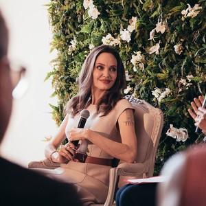Στο νέο spot του αρώματος της Guerlain η Angelina Jolie είναι πιο όμορφη από ποτέ