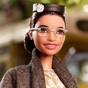 Η ακτιβίστρια Rosa Parks έγινε κούκλα Barbie, στέλνοντας ένα ηχηρό μήνυμα κατά του ρατσισμού
