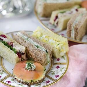 4 λαχταριστές συνταγές για English sandwiches που θα συνοδεύσουν υπέροχο το απογευματινό τσάι σου