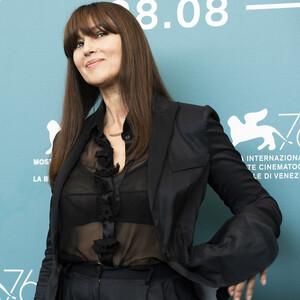 Το νέο κούρεμα της Monica Bellucci μας εμπνέει γιατί αποτελεί το απόλυτο hair trend της σεζόν