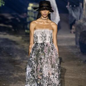 Τα floral σχέδια που λατρέψαμε από την νέα συλλογή του Christian Dior για την Άνοιξη/Καλοκαίρι 2020
