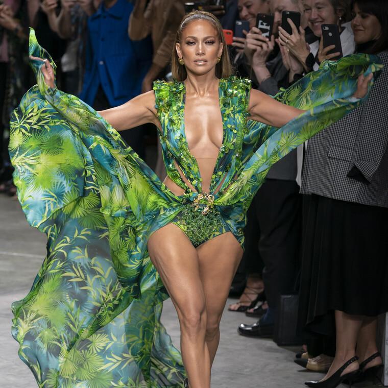 Η ντουλάπα της Jennifer Lopez μας θυμίζει πόσο πολύ αγαπάμε το casual ντύσιμο (όπως εκείνη!)