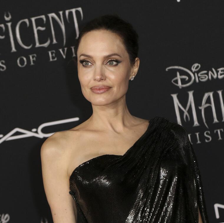 Πιο ρομαντική από ποτέ! Η Angelina Jolie έκανε μαγική εμφάνιση στη Ρώμη και κατέπληξε τους πάντες