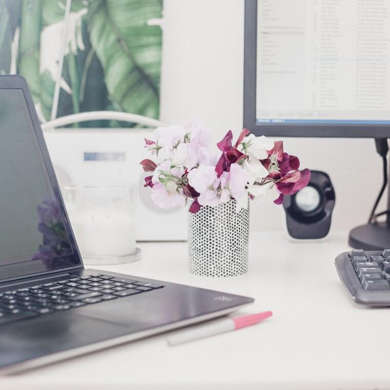 Πώς θα βάλεις τάξη στο γραφείο σου σύμφωνα με την Marie Kondo