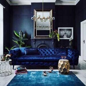 Δες πόσο σοφιστικέ μπορεί να δείχνει το σαλόνι σου σε μπλε αποχρώσεις