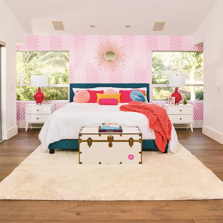 Τώρα μπορείς κι εσύ να μείνεις στο συγκλονιστικό σπίτι της Barbie στο Malibu