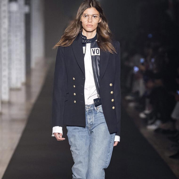 Τα jeans αποτελούν το passepartout κομμάτι της γκαρνταρόμπας σου και αυτόν τον χειμώνα