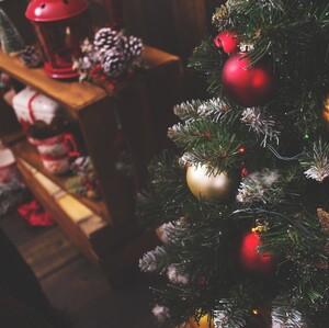 Στολίζεις το σπίτι σου νωρίς για τα Χριστούγεννα;Είσαι ευτυχισμένος άνθρωπος,λένε οι ειδικοί