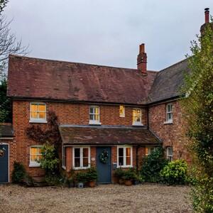 Αυτή η υπέροχη Αγγλική κατοικία του περασμένου αιώνα μετατράπηκε σ' ένα υπέροχο rustic αρχοντικό