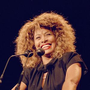 Tina Turner: Η γυναίκα-σύμβολο κατά της κακοποίησης
