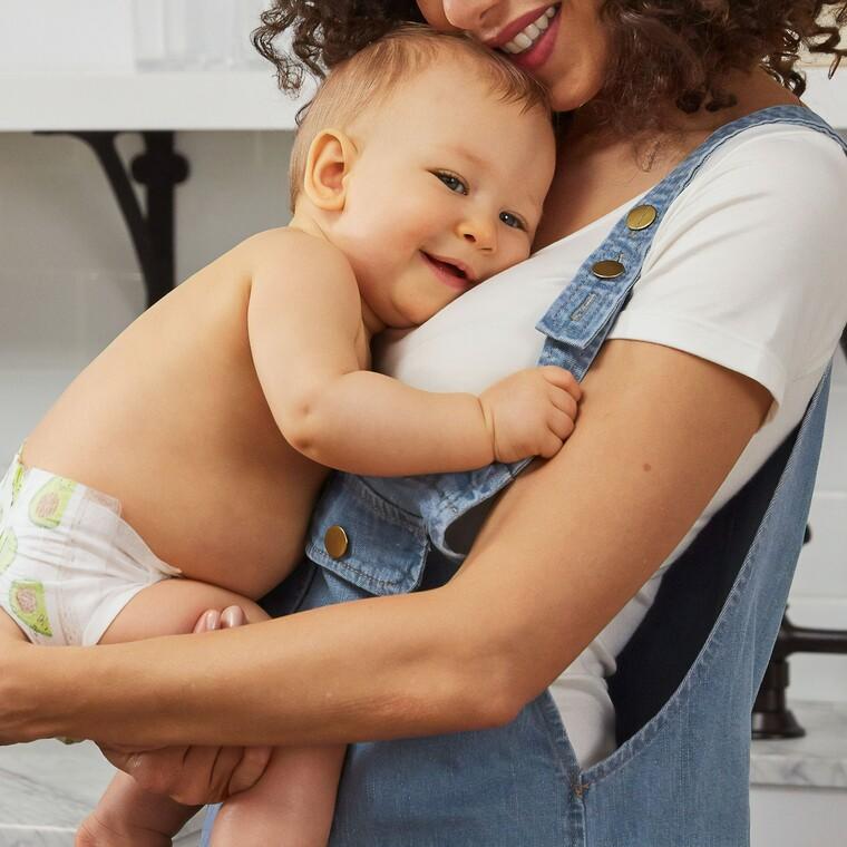 Ο ΟΑΕΔ δίνει ειδικό βοήθημα για τις εργαζόμενες μητέρες.