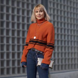 Αυτά τα glam sweaters θα δώσουν τη λάμψη που αναζητάς στα χειμερινά σου σύνολα