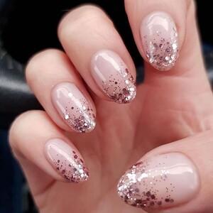Με αυτά τα nail art θα εντυπωσιάσεις τα Χριστούγεννα