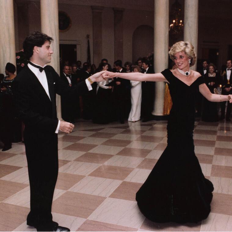 Το «φόρεμα Τραβόλτα» της πριγκίπισσας Νταϊάνα πήγε σε νέα χέρια
