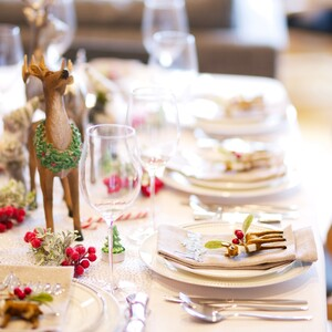 15+1 centerpices που θα απογειώσουν το γιορτινό σου τραπέζι χωρίς να σου κοστίσουν