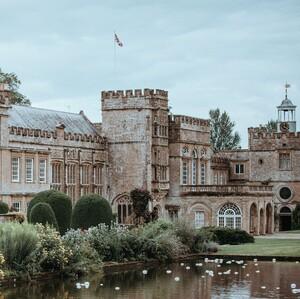 Οι ομορφότεροι κήποι που βρίσκονται στα πιο μεγαλοπρεπή κάστρα της Ευρώπης