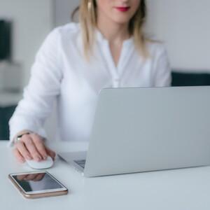 3 χρήσιμες συμβουλές για να αποβάλλεις το άγχος στο χώρο εργασίας σου