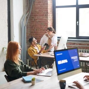 Οι γυναίκες αποδίδουν καλύτερα στη δουλειά όταν o χώρος εργασίας είναι ζεστός