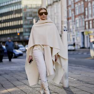 10 τρόποι για να φορέσεις στο γραφείο το λευκό σου παντελόνι και να εντυπωσιάσεις
