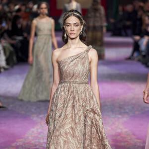 H ανοιξιάτικη συλλογή του Christian Dior αποπνέει αρχαία Ελλάδα