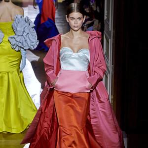 4 πράγματα που δεν γνωρίζεις για την νέα couture SS/2020 συλλογή του οίκου Valentino