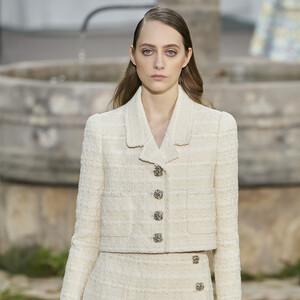 Jackets: Στο δρόμο που χάραξε η Coco Chanel