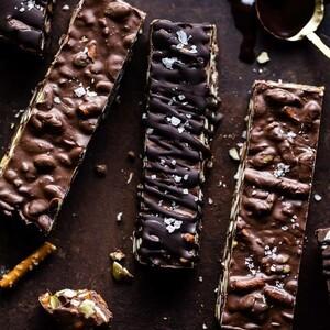 Μπάρες σοκολάτας με φυστικοβούτυρο και ξηρούς καρπούς