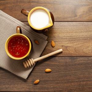 Γάλα και μέλι: σύμμαχοί μας για ένα τέλειο δέρμα