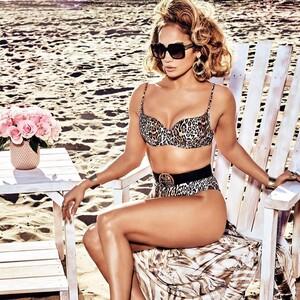 Jennifer Lopez: «Τα 50 είναι μόνο η αρχή...»