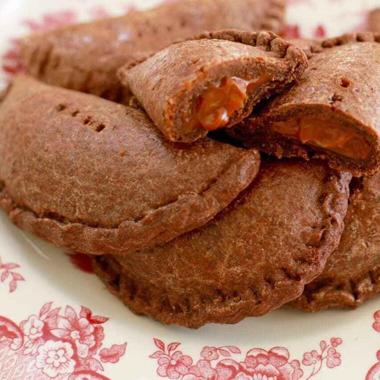 Σοκολατένια μπισκότα με καραμέλα