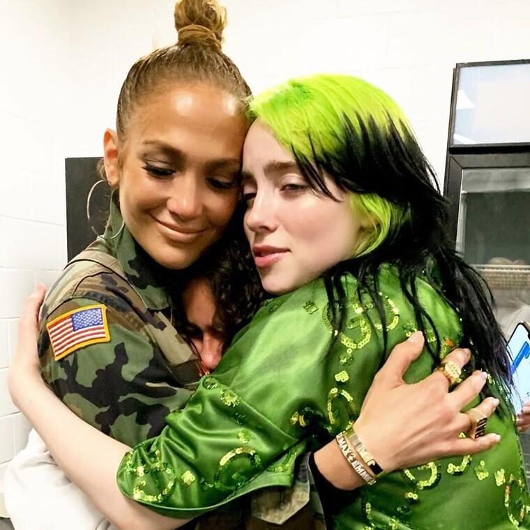 Η Jennifer Lopez έπαθε ...Billie Eilish στα νύχια της