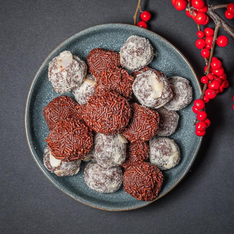 Τρουφάκια με ρούμι και σοκολάτα