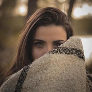 Τα κόκκινα μάτια είναι κοινό σύμπτωμα όσων έχουν προσβληθεί από τον κορονοϊό