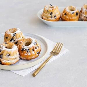 Kouglof: τα γλυκά ψωμάκια με σταφίδες που θα λατρέψεις