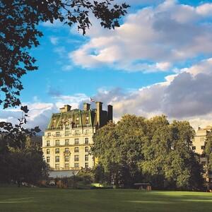 Το φημισμένο ξενοδοχείο Ritz του Λονδίνου πωλήθηκε για 900 εκατομμύρια ευρώ