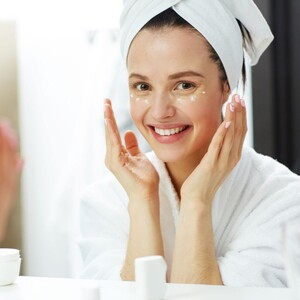 CC Creams: Οι κρέμες που διορθώνουν τις ατέλειες και χαρίζουν λάμψη στο δέρμα μας