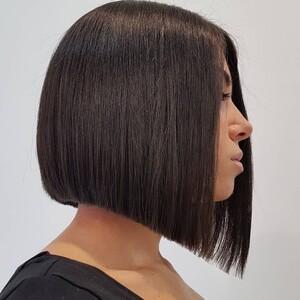 Πώς να κόψεις τα μαλλιά σου τώρα που είσαι μόνη σου στο σπίτι
