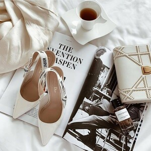 Αυτά είναι αναμφισβήτητα τα πιο stylish παπούτσια της σεζόν